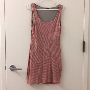 Dresses & Skirts - pink/gray pattern dress